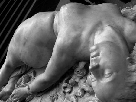 clesinger-la-femme-piquee-par-un-serpent04